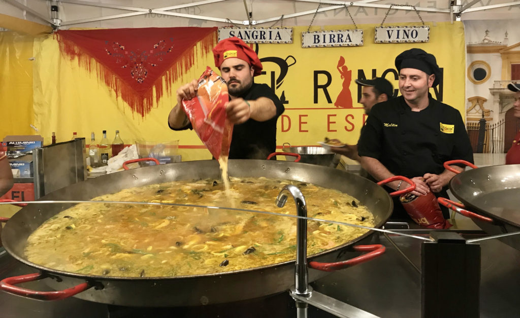 Arezzo International Market - one big paella pan.
