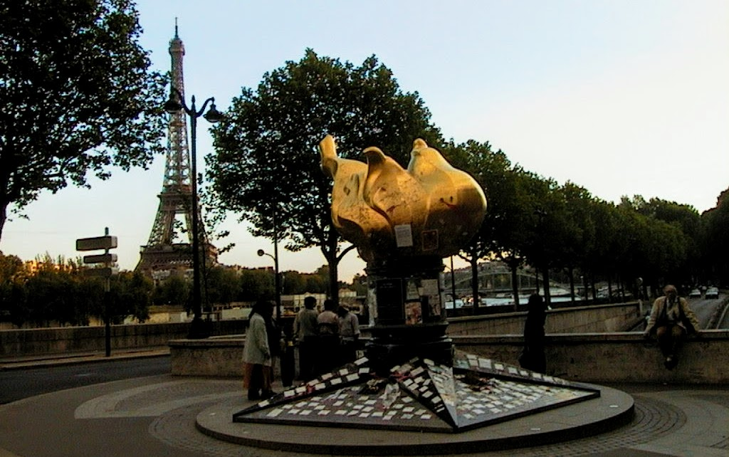 Flame of Liberty, Paris