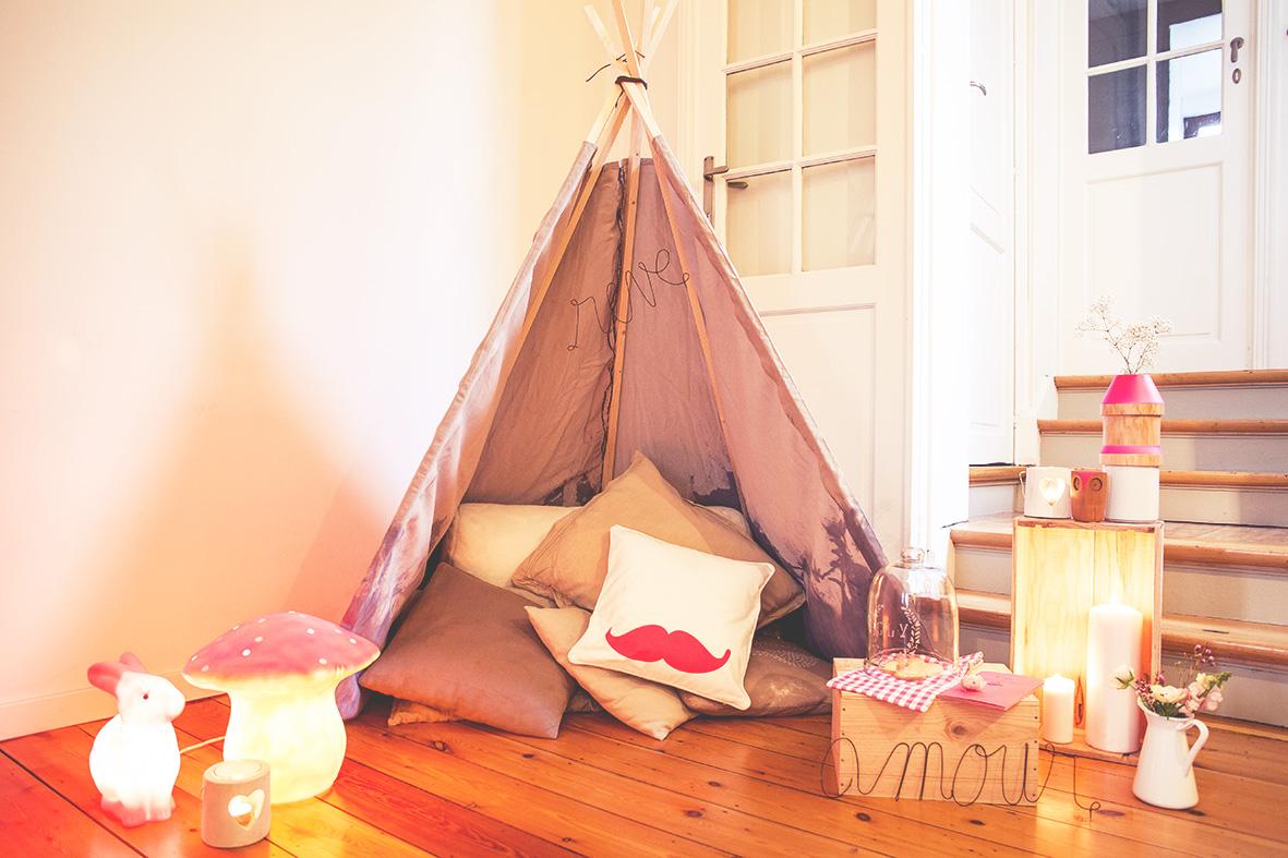 une saint valentin cocoon dans un tipi love tralala. Black Bedroom Furniture Sets. Home Design Ideas