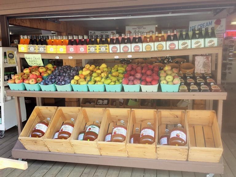 Okanagan. Fruit Stand