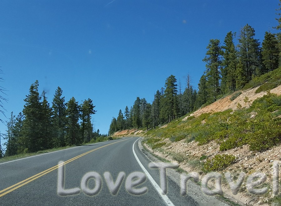 scenic-drive-in-bryce-canyon