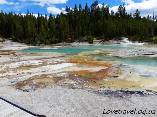 norris-geyser-basin-19