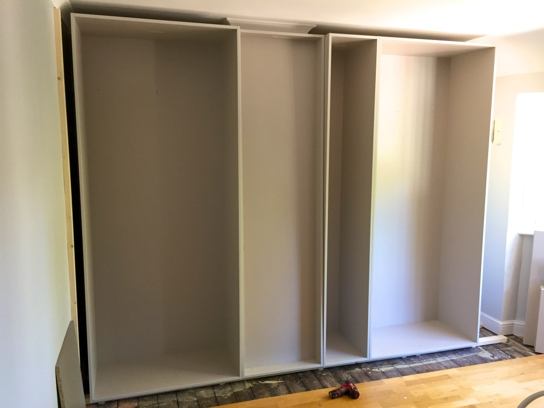 Bespoke fitted wardrobe Nash Mills