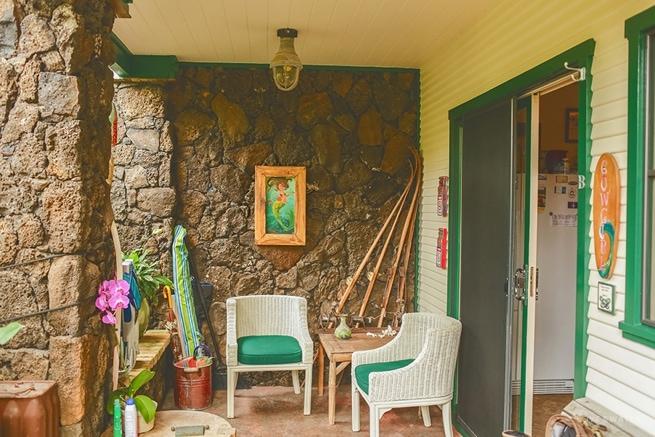 Surboard House Hanalei Bay elopement www.lovewaterphoto.com #hanaleibay #kauai #Kauaielopement #KauaiBeachwedding #Kauaiweddingphotographers