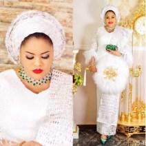 Nigerian Wedding Trend Feather Hand Fan LoveWeddingsNG