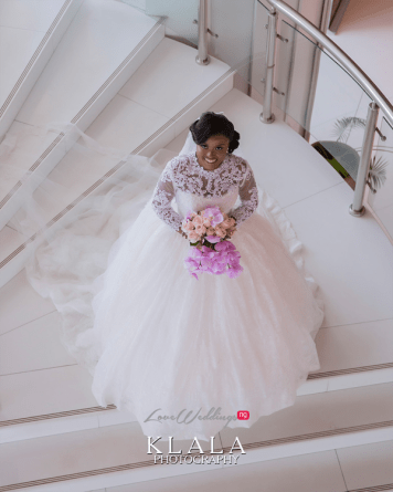 Nigerian Bride on the stairs Folake and Ademola's Wedding #FAB2018 Klala Photography LoveWeddingsNG