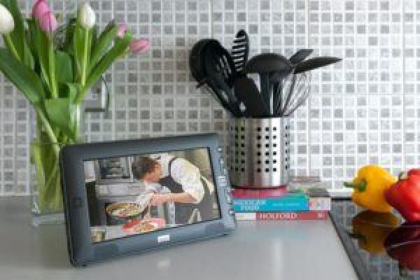 best small tv for a kitchen reviews uk 2018 - top 5 reviewed