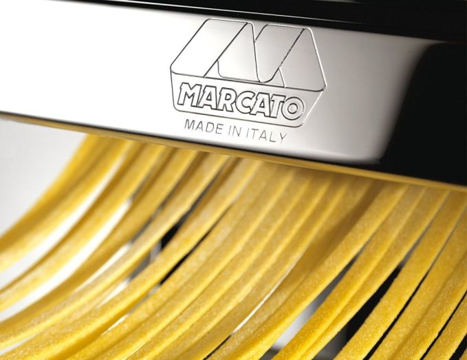 Marcato Atlas 150 pasta machine cutting pasta