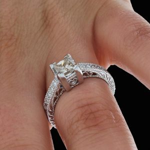Princess-Cut-Diamond-Engagement-Ring20