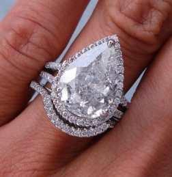 pear shaped diamond wedding ring set
