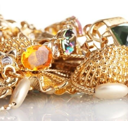 fake-jewelry-with-fake-stones