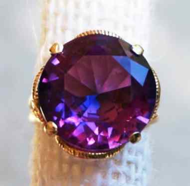 14k-solid-gold-and-color-changing-purple-sapphire-vintage-cocktail-statement-ring