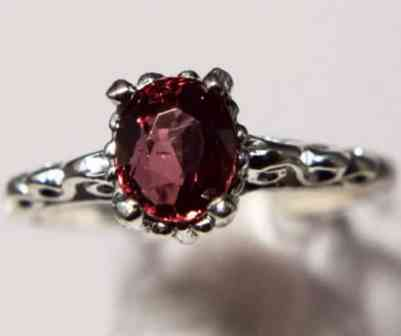 beautiful-genuine-natural-red-spinel-filigree-ring