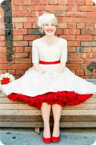 wedding dress w petticoat