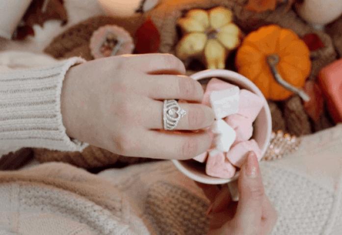 jeulia crown ring