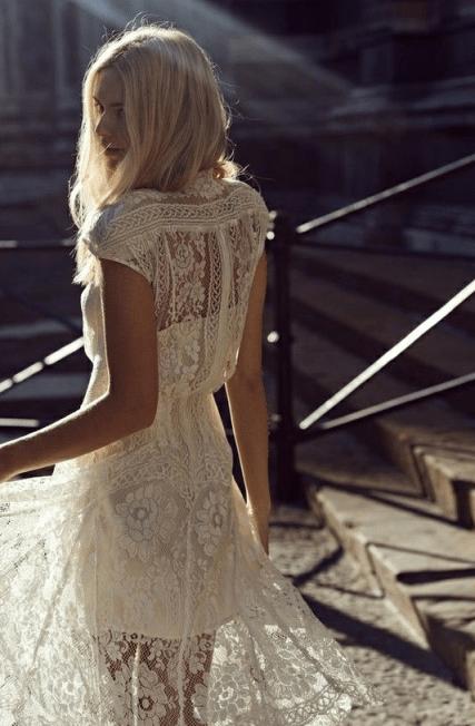 vestido trasparente novia