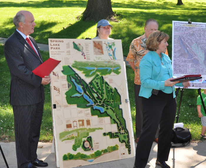 Linda Lovgren briefs the media at a CSO press conference in 2010 at Spring Lake Park.