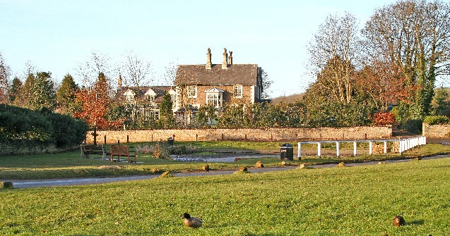 Brantingham picture: © Gordon Kneale Brooke/geograph.org.uk. ound at http://en.wikipedia.org/wiki/Brantingham#mediaviewer/File:Brantingham_Village_Duck_Pond.jpg