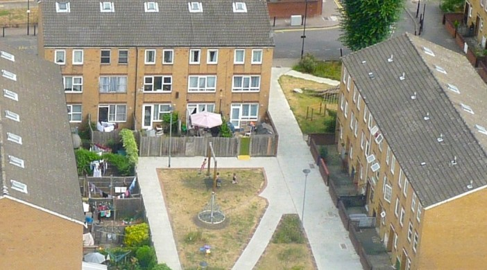 Rhodes (Hackney council-built )housing estate Dalston London E8 (dalston Ln @ left) July 2013 © david.altheer@gmail.com