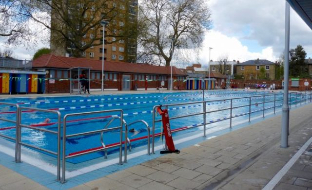 Lido0416: London Fields Lido 260416 © DavidAltheer [at] gmail.com