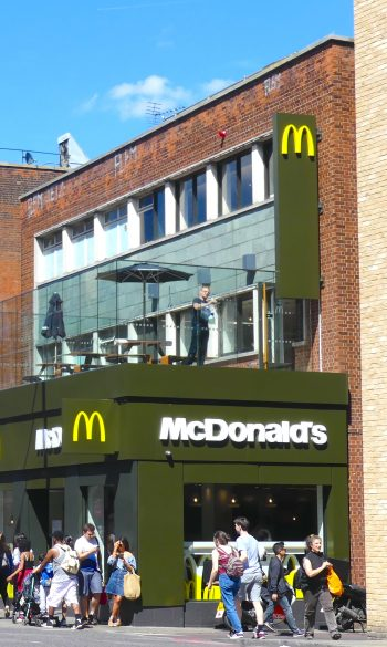 MacRoof0717: McDonald's closed staircase to rooftop terrace Kingsland 36 Kingsland High St, London E8 2JP 290617 © david,altheer@gmail,com