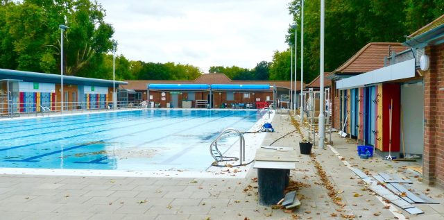 lido©DA0917: #LondonFields Lido, pool in London Fields, London E8, awaits reopening after repairs © david,altheer@gmail,com 300917