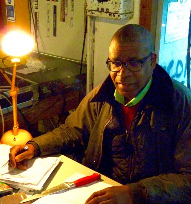 DalstonJazzBar©DA17: owner Robert Beckford at working in bar @ 4 Bradbury Street, Dalston N16 8JN 041217 © david,altheer@gmail,com
