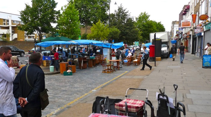 kingsland©DA12: KingslandWasteDying: Kingsland Waste market, Kingsland Rd, Haggerston E8 4AA, Saturdays only Aug 2012 © david.altheer@gmail.com