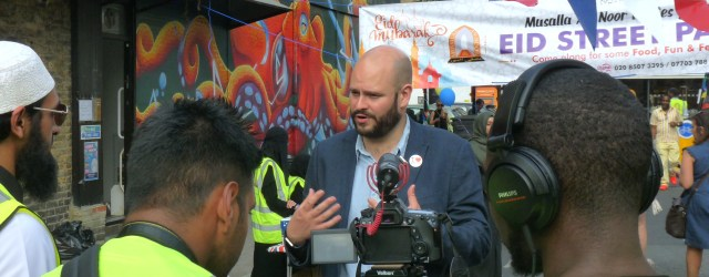 "Glanville©DA0718: Hackney mayor Philip Glanville at open day at Musallaa An-Noor (Deobandi Sunni) mosque 101 Stoke Newington High St Hackney N16 0PH (""Gender Allowed: Men"" — website)  Sunday 010718 © david.altheer@gmail.com"