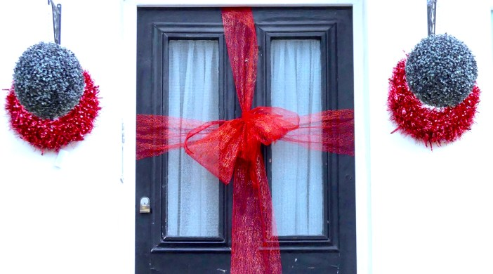 ChrisWreath©DA: Christmas @ Hackney London © david,altheer@gmail,com