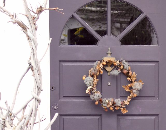ChrisWreath©DA19e:© david.altheer@gmail.com Christmas wreaths Appleby Rd Dalston London E8 181219