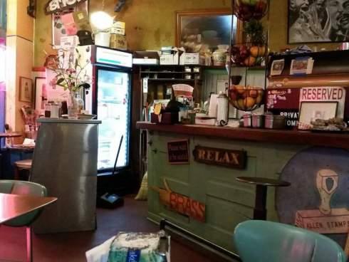 YJ's Snackbar