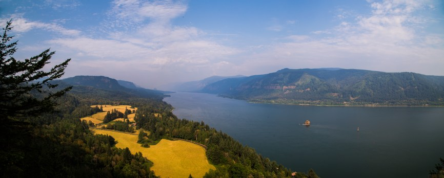 Columbia River Gorge Panorama-19696385521