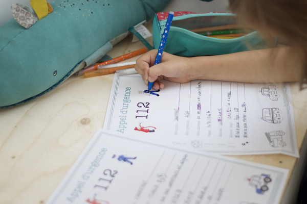 Apprendre l'urgence aux enfants grâce à une fiche