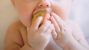 The Complete Teething Guide:Hacks and Reflux Tips