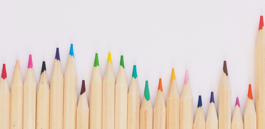 25 Ways to Organise and Motivate your School Child - school crayons