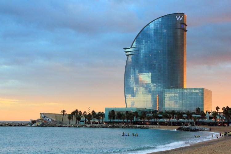 barcelona_beach-w_hotel