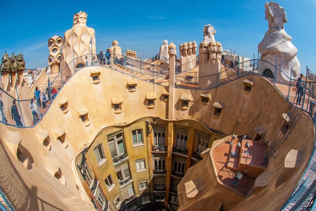 Gaudi_building