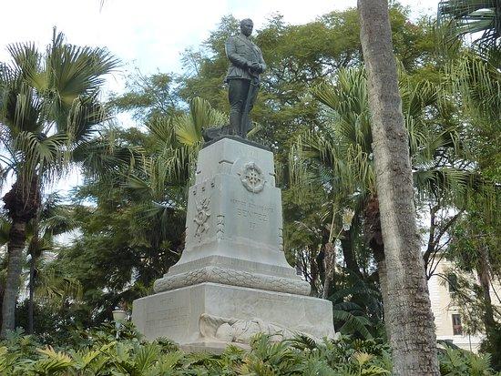 Monumento al Comandante Benítez in Malaga