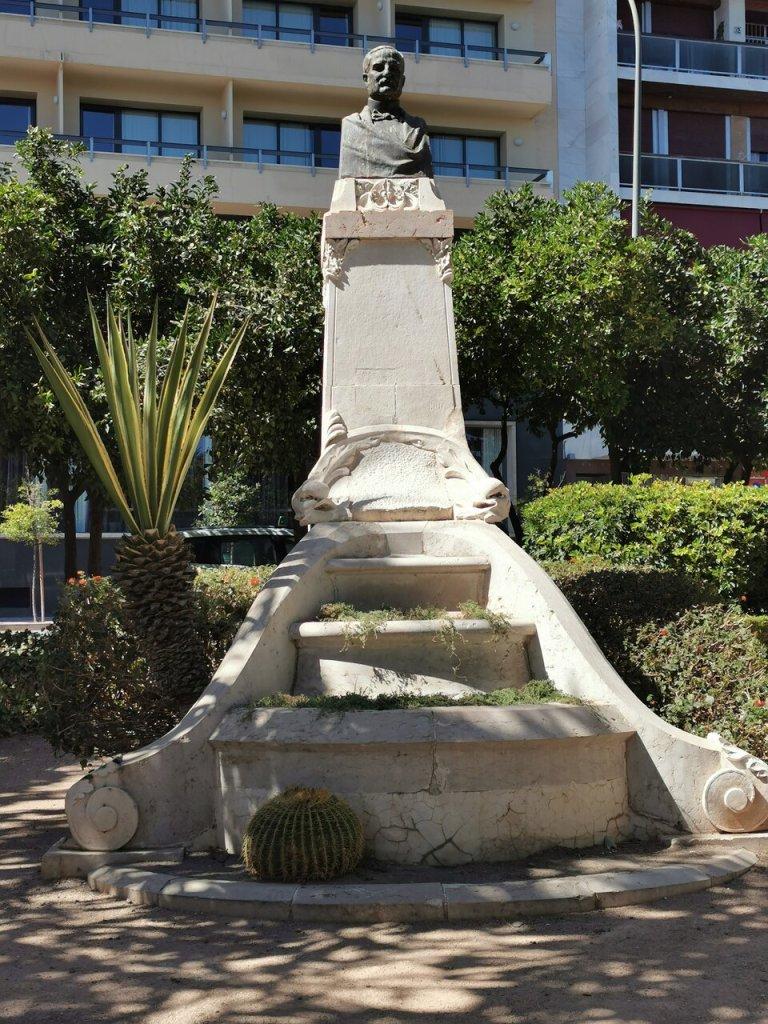 Monumento al Marqués de Guadiaro in Malaga