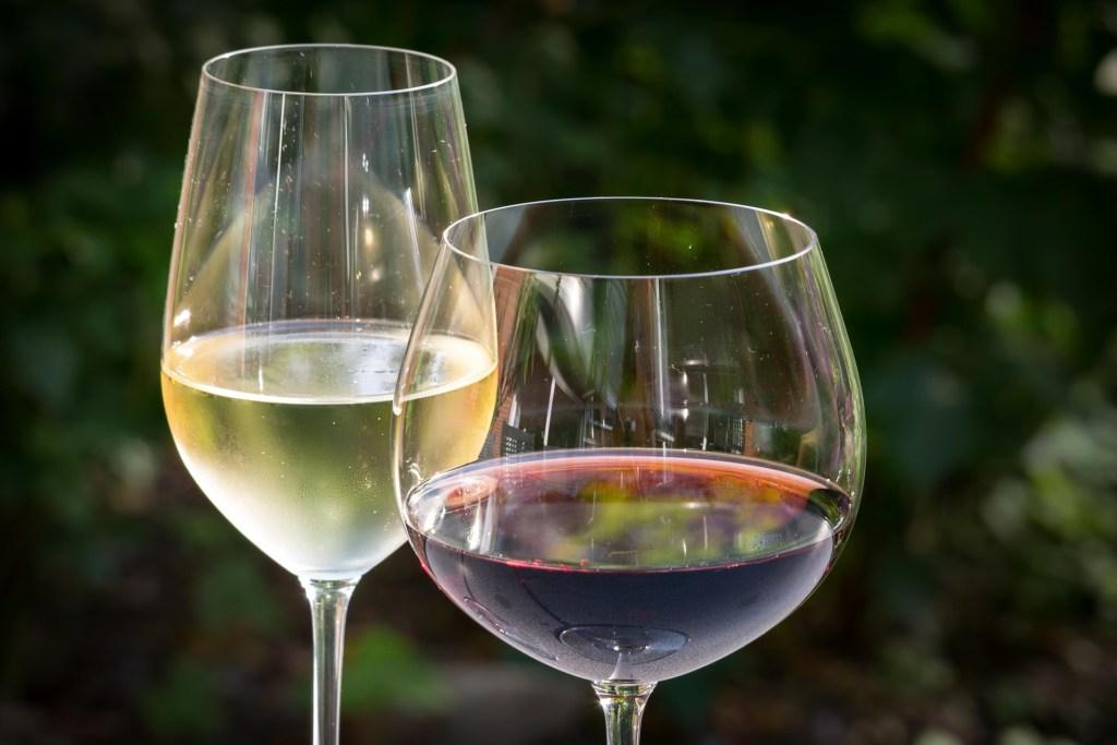 La Rioja red and white wine