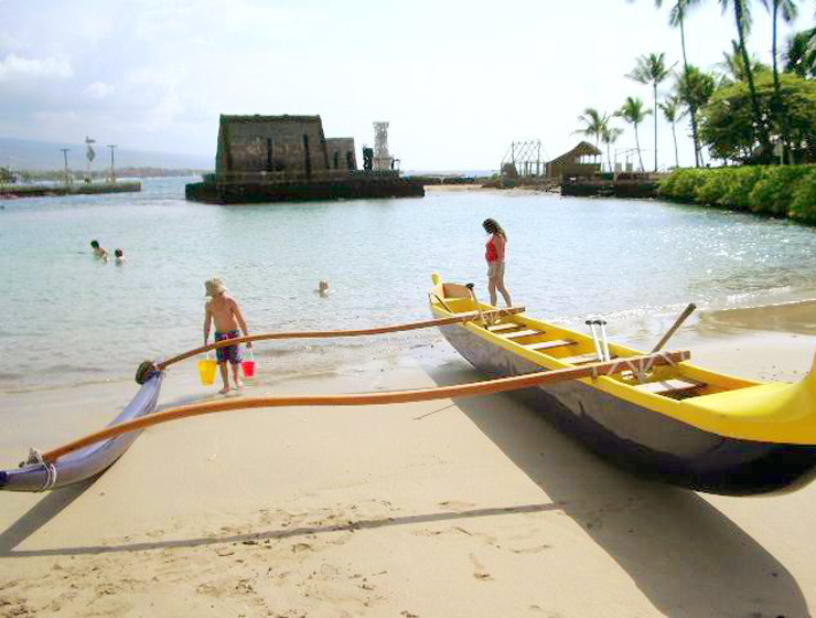 Kamakahonu Beach, Kailua Kona, Hawaii: Photo by Donnie MacGowan