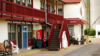 La Casa Motel - our salvation for the night!