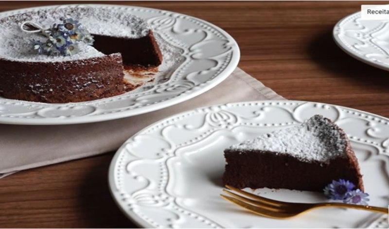 Bolo de Chocolate Low Carb 2 Ingredientes