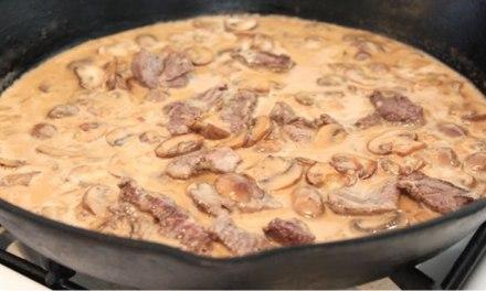 Receita de Strogonoff de Carne Assada Low Carb