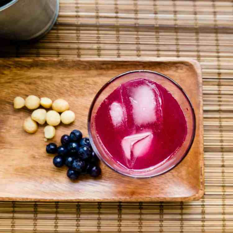 keto Berry Rum Soda pic