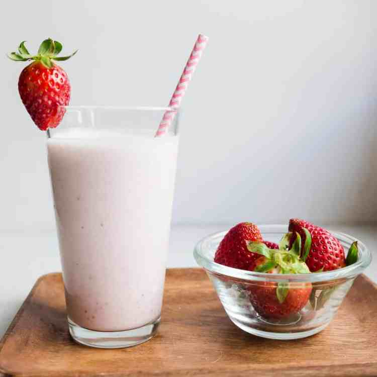 Keto Japanese Style Strawberry Milk Smoothie cover