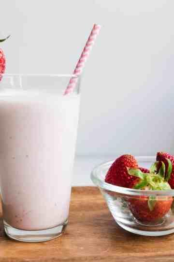 Keto Japanese Style Strawberry Milk Smoothie cover