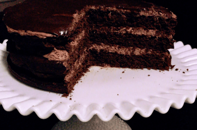 Chocolate Cake with Cream Cheese Buttercream *6g net carbs!*