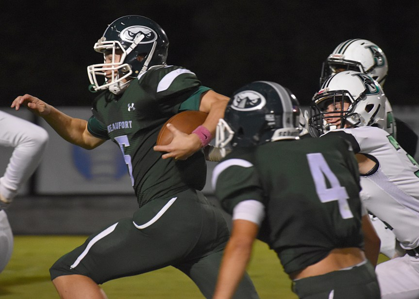 HSFB: Eagles erupt in 2nd half, give Lybrand 1st win